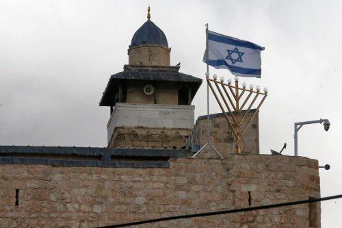 Los colonos atacan la mezquita de Ibrahimi, pero para la…