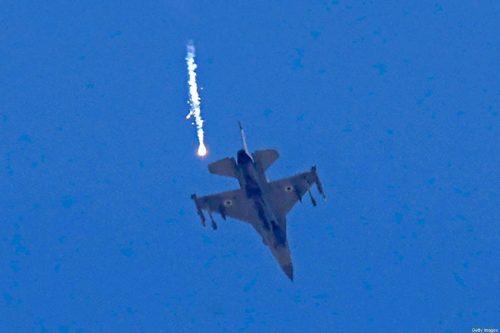 Israel: aviones de combate atacan Gaza