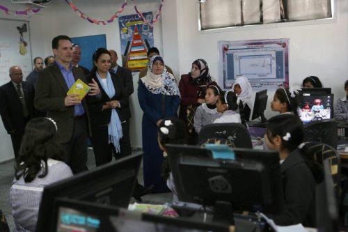 Israel sigue prohibiendo la entrada de ordenadores en Gaza