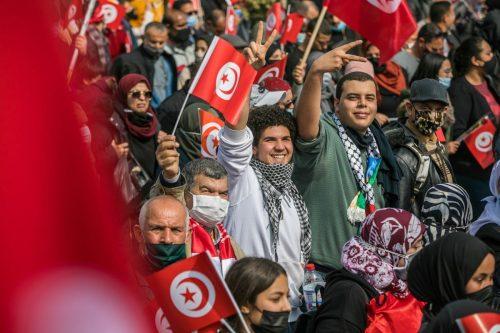El Movimiento Ennahda se niega a poner a un ex…