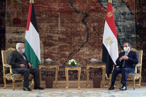 Los presidentes de Palestina y Egipto discuten la solución de…