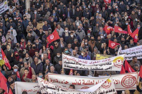 """Un sindicato advierte que Túnez se dirige a la """"desintegración"""""""
