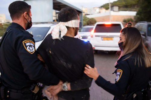 Israel prolonga la detención de los 4 palestinos capturados tras…