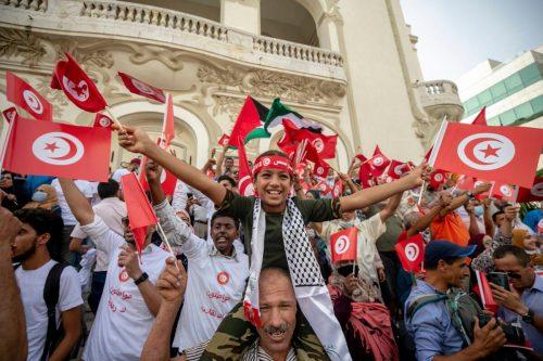2.000 manifestantes se concentran en Túnez