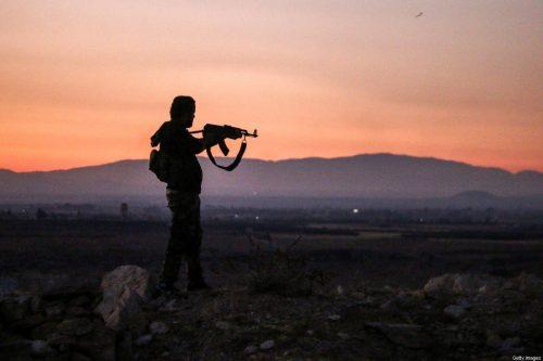 El ejército sirio intensifica la ofensiva contra un reducto rebelde…