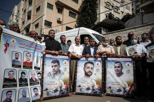 Más presos palestinos se suman a la huelga de hambre