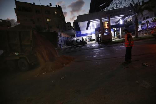 Israel corta las carreteras cercanas a la Franja de Gaza…