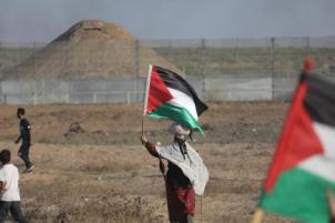 Palestinos se reúnem para a 76ª 'grande marcha de retorno' em GazA. Em 27 de setembro de 2019 [Mohammed Asad/Monitor do Oriente Médio]