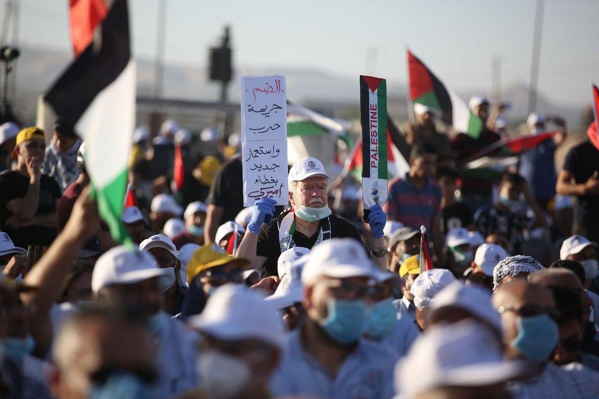 Palestinos protestam contra o plano de anexação israelense de assentamentos judaicos ilegais e do Vale do Jordão em Jericó, Cisjordânia ocupada, 22 de junho de 2020 [issam Rimawi/Agência Anadolu]