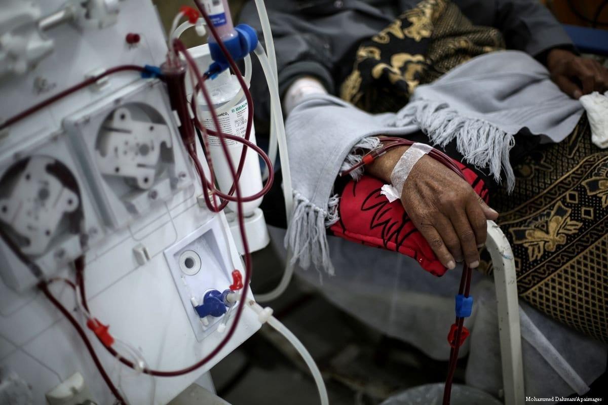 Paciente palestino é tratado na Cidade de Gaza, em 8 de janeiro de 2017 [Mohammed Dahman/Apaimages]