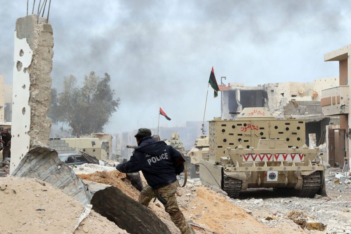 Forças ligadas ao Governo do Acordo Nacional ( GNA) em Sirte, Líbia, em 21 de novembro de 2016 [Hazem Turkia/ Agência Anadolu]