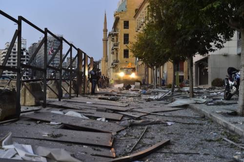 Uma visão dos danos após um incêndio em um armazém com explosivos no porto de Beirute levaram a explosões maciças em Beirute, Líbano, em 5 de agosto de 2020. [Houssam Shbaro - Agência Anadolu]