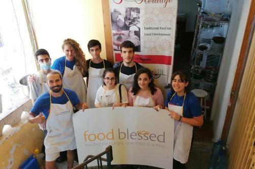 Voluntários da FoodBlessed, uma iniciativa local de combate à fome no Líbano, 19 de agosto de 2020