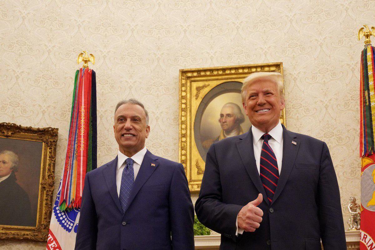O primeiro-ministro iraquiano, Mustafa al-Kadhimi, encontra-se com o presidente dos EUA Donald J. Trump na Casa Branca durante sua visita oficial a Washington, Estados Unidos, em 21 de agosto de 2020 [Primeiro-ministro iraquiano/ Divulgação/ Agência Anadolu] Primeiro-ministro iraquiano,