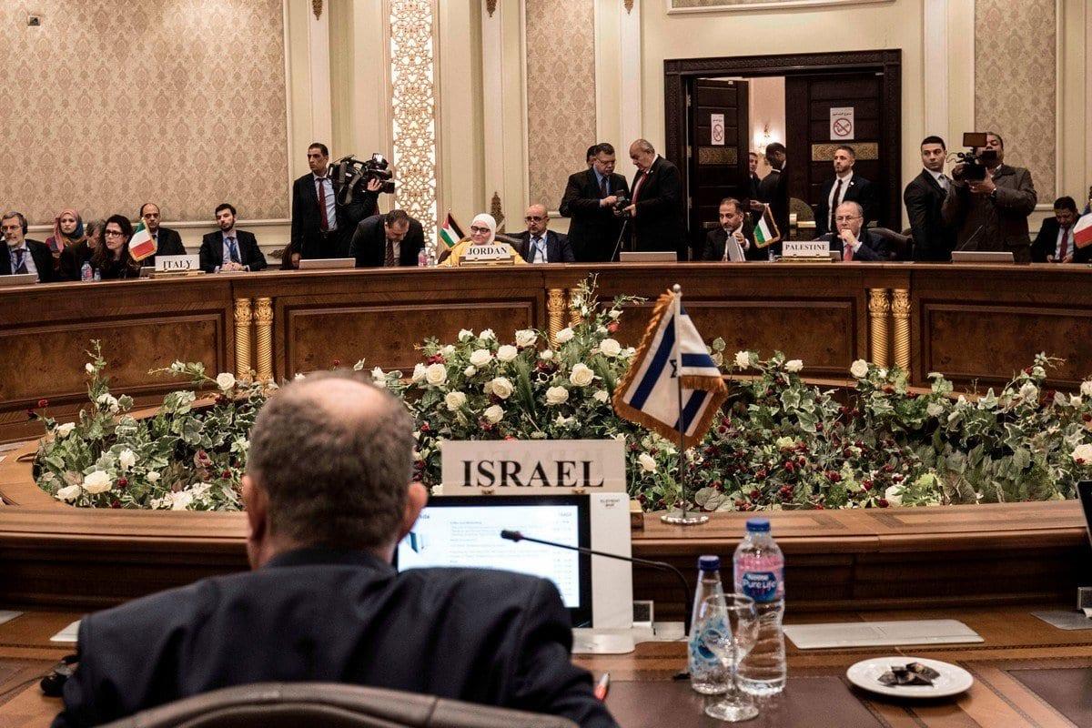 Delegações do Egito, Israel, Chipre, Itália e Grécia participam do Leste Mediterranean Gas Forum (EMGF), no Cairo em 16 de janeiro de 2020 [Khaled Desouk/ AFP / Getty Images]