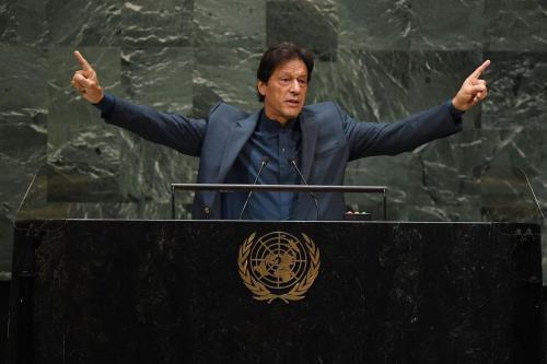 Primeiro-Ministro do Paquistão Imran Khan discursa na 74ª sessão da Assembleia Geral da ONU, em Nova Iorque, Estados Unidos, 27 de setembro de 2019 [Timothy A.