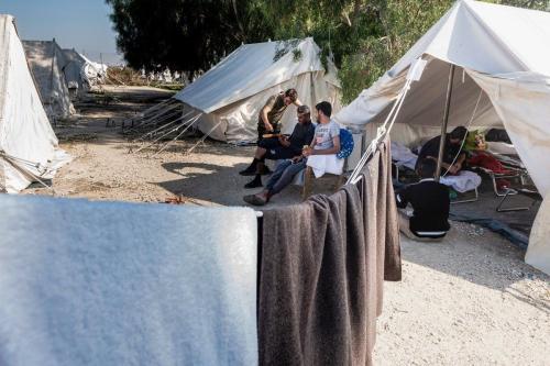 Refugiados vistos em um campo em Chipre em 5 de novembro de 2019 [IAKOVOS HATZISTAVROU / AFP / Getty Images]
