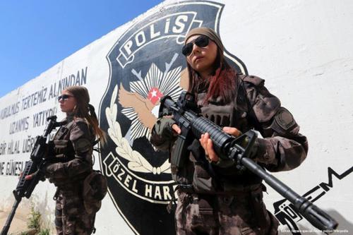 Foto de arquivo das Forças Especiais da Polícia Turca [polícia das forças especiais turcas / Wikipedia]