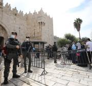 Polícia israelense restringe o acesso de palestinos a Al-Aqsa