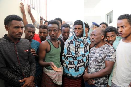 Migrantes africanos regulares são vistos em uma prisão em Taizz, Iêmen, em 25 de dezembro de 2019 [Agência Abdulnaser Alseddik/ Anadolu]