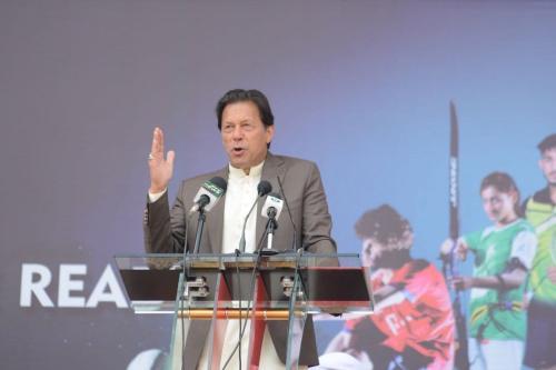 Primeiro-ministro paquistanês Imran Khan em Peshawar, Paquistão em 9 de março de 2020 [Agência Hussain AliAnadolu]