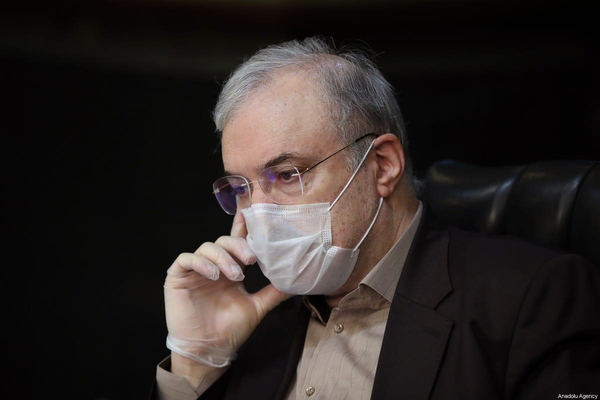 O Ministro da Saúde do Irã, Saeed Namaki, participa da reunião do gabinete em Teerã, Irã, em 25 de março de 2020 [Presidência do Irã/Handout/ Agência Anadolu]