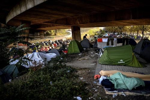 Vista geral de um acampamento improvisado de migrantes em Paris, França em 16 de setembro de 2020 [Chrisrtophe Archambaout/ AFP / Getty Images]