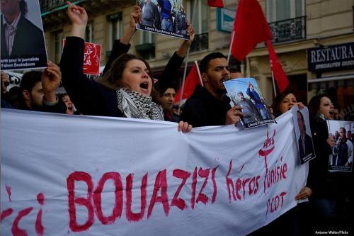 Protesto em apoio a Mohamed Bouazizi, símbolo da revolução tunisiana, em 15 de janeiro de 2011 [Antoine Walter/Flickr]