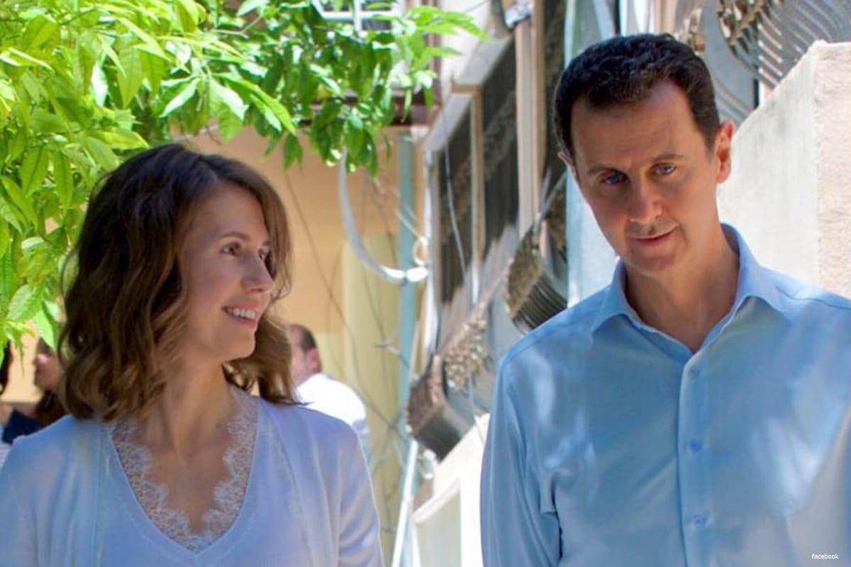 O presidente sírio Bashar Al-Assad (dir.) com sua esposa, Asma Al-Assad [Facebook]