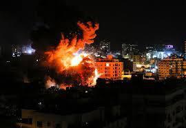 Foto do ataque israelense ao bairro de al-Tuffah na Faixa de Gaza [ Safa News]