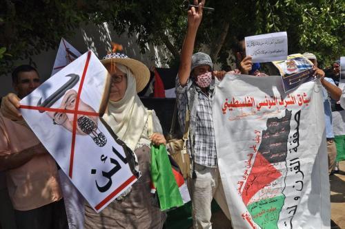 Protesto contra acordos de normalização entre estados árabes e Israel, em Túnis, capital da Tunísia, 18 de agosto de 2020 [Fethi Belaid/AFP/Getty Images]