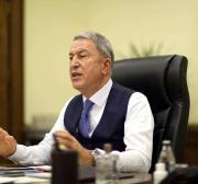 A Turquia se dispõe a ajudar o Iraque a expulsar terroristas de Sinjar, diz ministro da Defesa