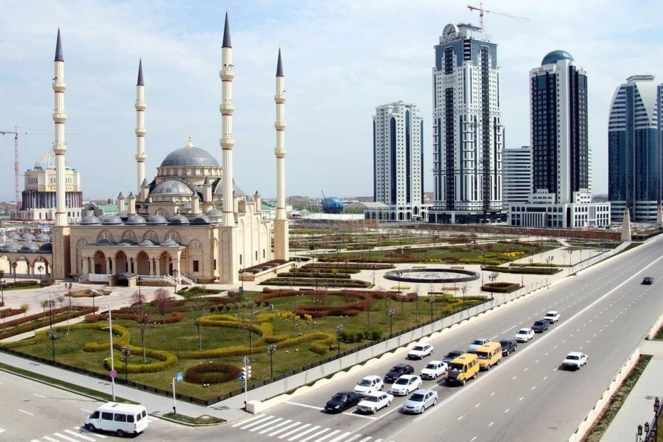 Mesquita Akhmad Kadyrov, conhecida como Coração da Chechênia, em Grozny, 14 de abril de 2021 [STR/AFP/Getty Images]