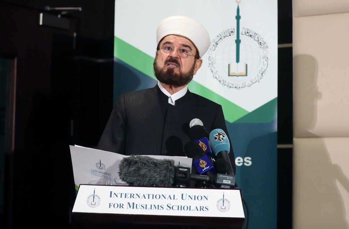 Ali Moheiddin al-Qaradaghi, secretário-geral da União Internacional de Sábios Islâmicos, durante coletiva de imprensa em Doha, capital do Catar, 1° de dezembro de 2017 [Karim Jaafar/AFP/Getty Images]