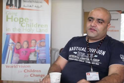 Mohammed El Halabi, gerente do programa de desenvolvimento de área da Visão Mundial, 8 de agosto de 2016 [Mohammad Awed]