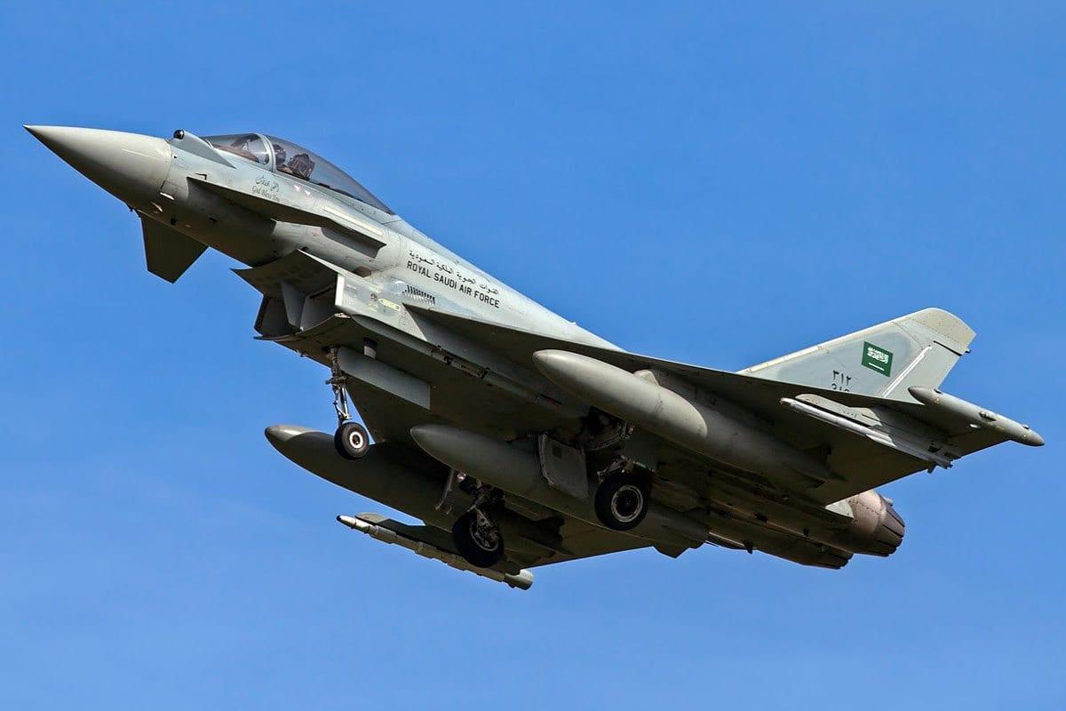 Jato combatente Eurofighter Typhoon, pertencente à Força Aérea da Arábia Saudita [foto de arquivo]