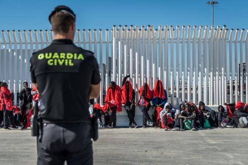Polícia espanhola vigia os migrantes no porto de Algeciras na Espanha em 31 de julho de 2018 [Ignacio Marin / Agência Anadolu]