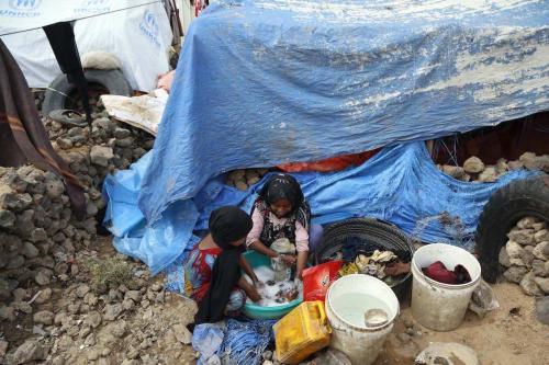 Refugiados em um campo no Iêmen, 24 de novembro de 2019 [Mohammed Hamoud/Agência Anadolu]