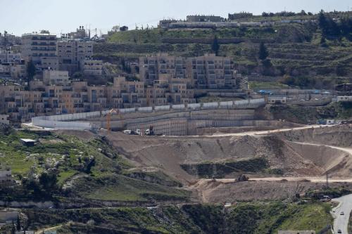 Uma visão dos trabalhos de construção em andamento em Nof Zion, um assentamento judaico em o setor oriental anexado a Israel em Jerusalém em 16 de fevereiro de 2021 [Ahmad Gharabli/ AFP via Getty Images]
