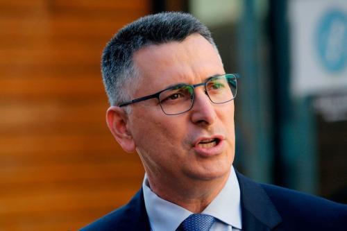 Líder do partido israelense Tikva Hadasha (Nova Esperança), Gideon Sa'ar em Tel Aviv, em 8 de fevereiro de 2021. [Gil Cohen-Magen/AFP/Getty Images]