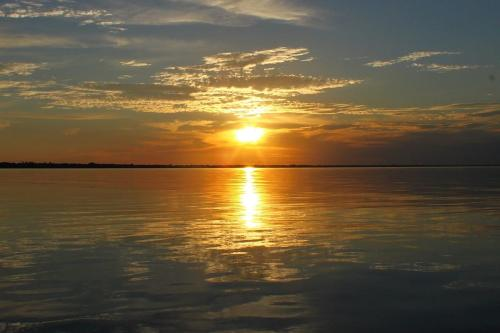 Pôr do Sol no Rio Negro - Parque Nacional do Jaú [Foto: commons.wikimedia]