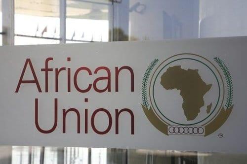 Logotipo da União Africana na sede da organização, em Addis Ababa, Etiópia, 13 de março de 2019 [Ludovic Marin/AFP/Getty]