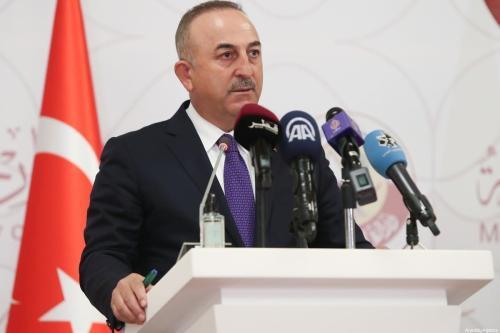 O ministro das Relações Exteriores da Turquia, Mevlut Cavusoglu, em Doha, Catar, em 11 de março de 2021. [Cem Özdel/Anadolu Agency]
