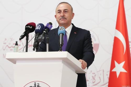 Mevlut Cavusoglu, Ministro das Relações Exteriores turco em Doha, Qatar, em 11 de março de 2021 [Cem Özdel/Agência Anadolu]
