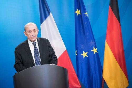 Ministro de Relações Exteriores da França Jean-Yves Le Drian em Berlim, Alemanha, 19 de março de 2021 [Stefanie Loos Pool/Getty Images]