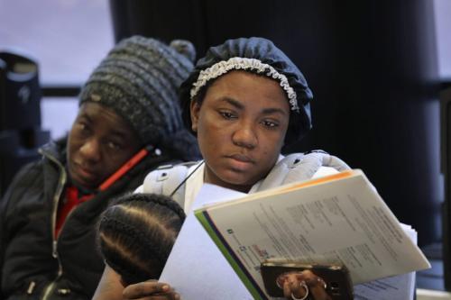 Imigrantes esperam por ajuda com seus pedidos de cidadania dos EUA no Citizenship Now!, evento de 3 de fevereiro de 2018, na cidade de Nova Iorque. [John Moore/Getty Images]