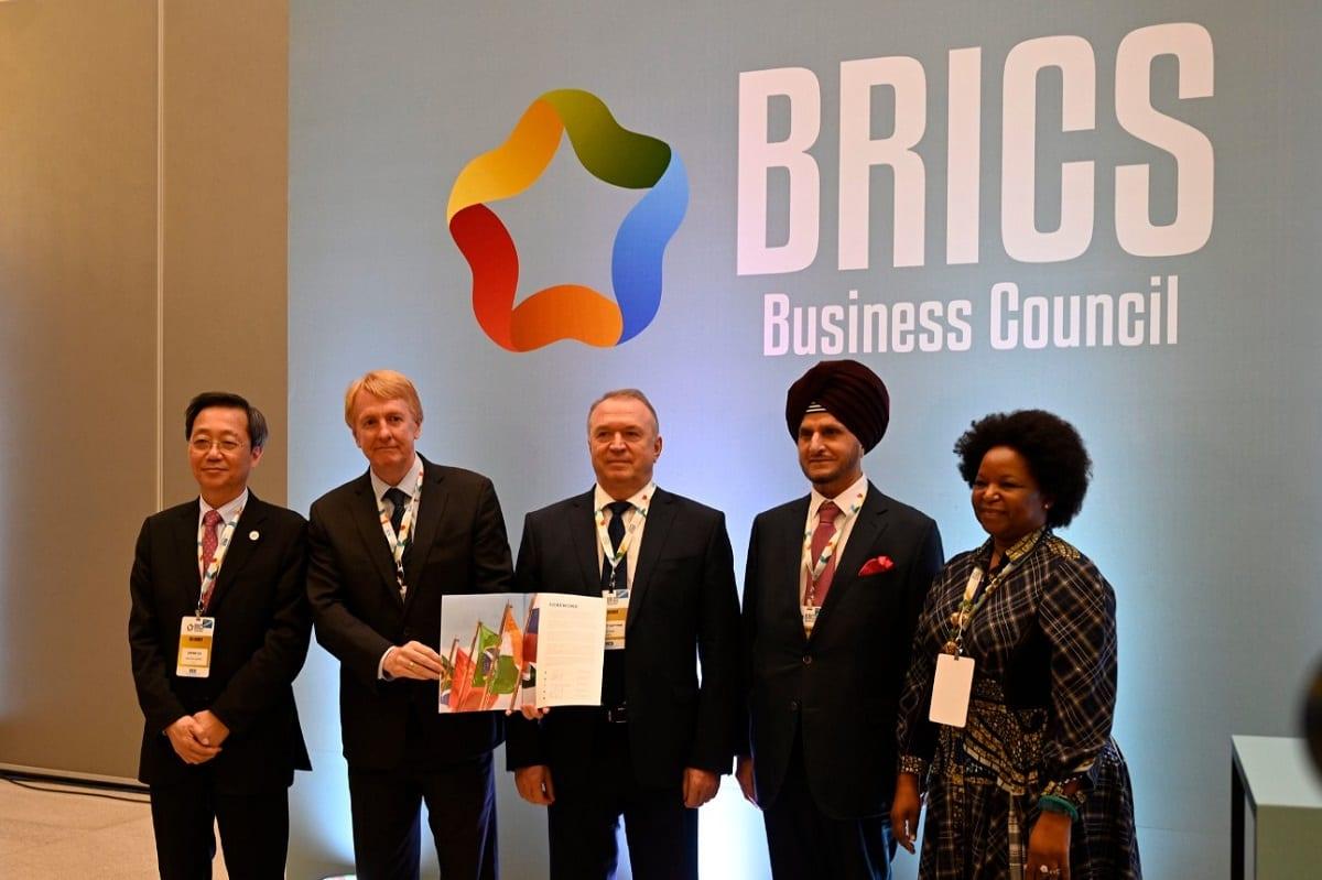 Líderes empresariais de China, Brasil, Rússia, Índia e África do Sul [Foto Divulgação/Portal da Indústria]