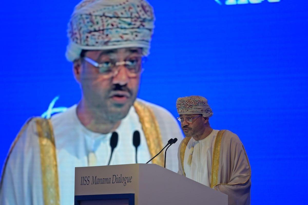 O ministro das Relações Exteriores de Omã, Badr Al-Busaidi, na capital do Bahrein, em 5 de dezembro de 2020 [Mazen Mahdi/AFP/Getty Images]