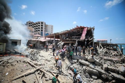 Israel destrói um descanso civil em Gaza [Mustafa Hassona / Agência Anadolu]