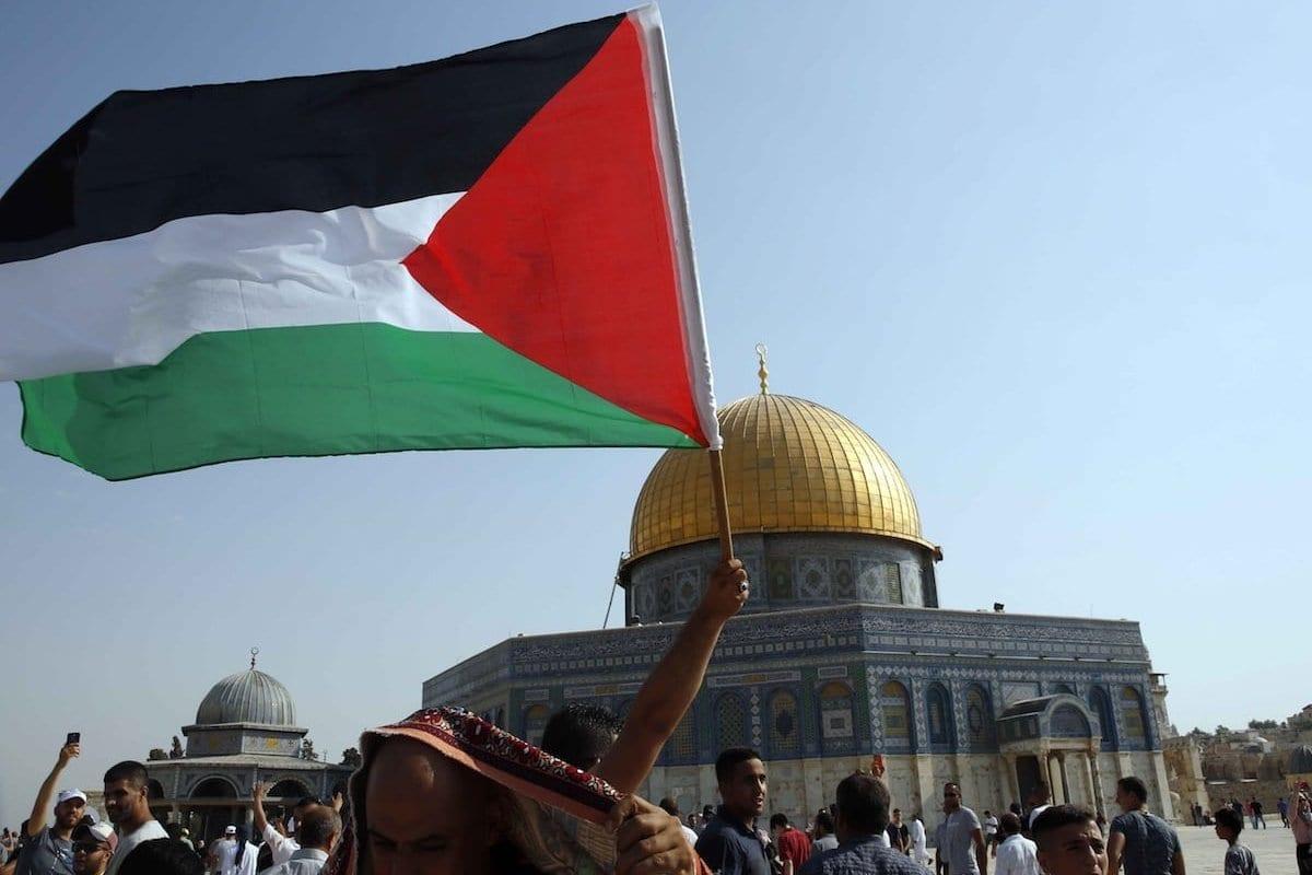 Por onze dias, palestinos defenderam a Mesquita de Al-Aqsa, em Jerusalém, Gaza e toda Palestina ocupada, com os ataques de Israel [Agência Anadolu]